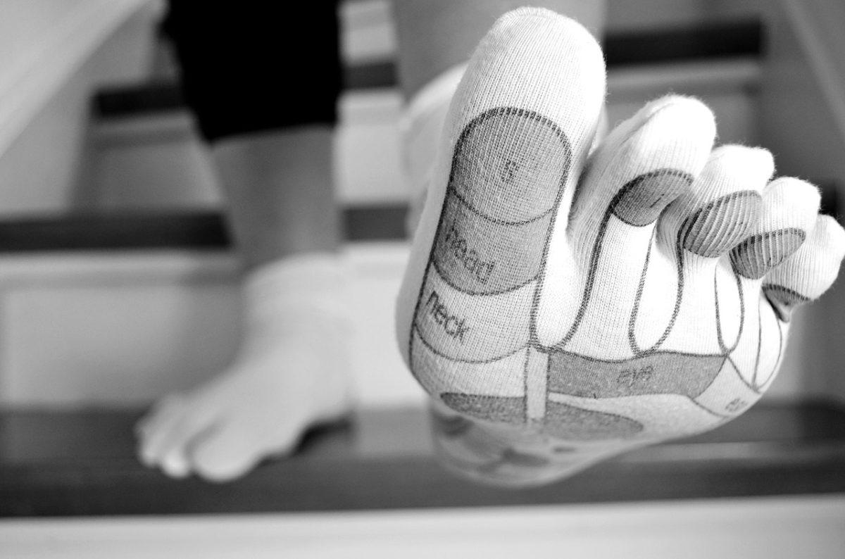 Gebrochener Zeh - Symptome, Behandlung und Heilungsdauer