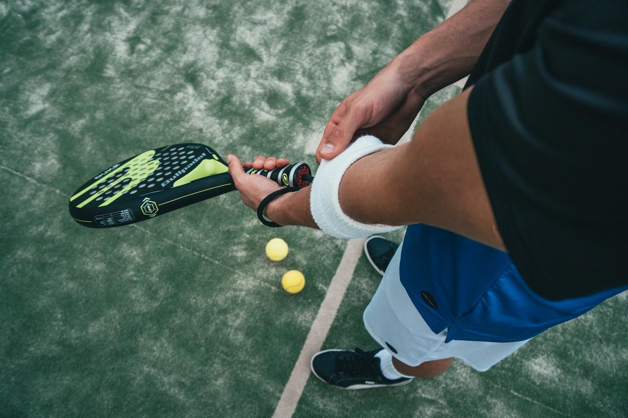 Was ist ein Tennisarm? Ursachen, Symptome und Behandlung